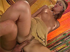 Teenage girlie swallowing a sticky cumload