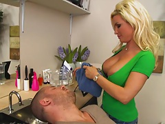 Sexy Milf hair dresser Diamond is cutting some hair