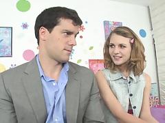 Teen gets herself an internet date