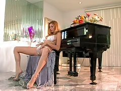 Solo masturbation from Jamie Lynn in her wet bra and panties with cameltoe