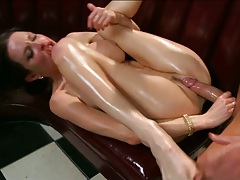 Trimmed pussy flexible girl Veronica Avluv all in oil and super sexy