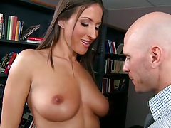 Natural tits Lizz Tayler gets licked on desk